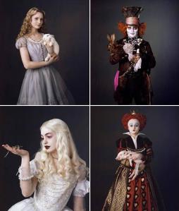 Personagens da versão de Alice do diretor Tim Burton, que estreia em 2010. No sentido horário: Alice (Mia Wasikowska), Chapeleiro Maluco (Johnny Depp), Rainha Vermelha (Helena Boham Carter) e Rainha Branca (Anne Hathaway)