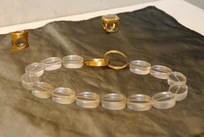 A beleza das peças da designer de jóias Bettina Terepins