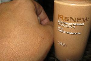 Basa Transformadora Renew FPS 15 Avon - Cor Bege Mel | foto: conversa de menina